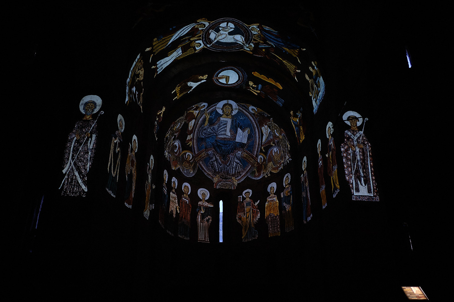 Interior view and 3D-projection of the ancient retable in the romanesque church of Taüll, Vall de Boí, Pyrenees, Spain