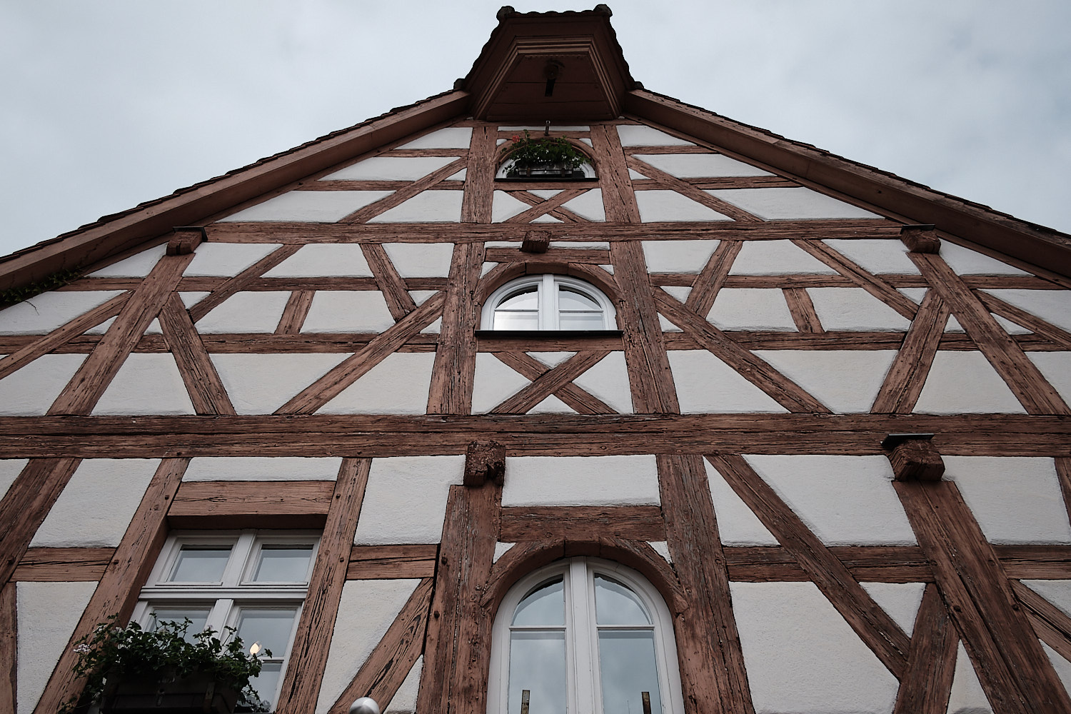Houses of Franconia with high roofs and attics for the storage hops.