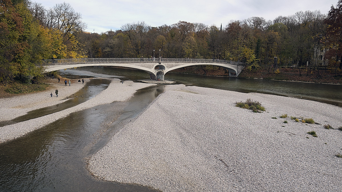 Isar banks, Munich