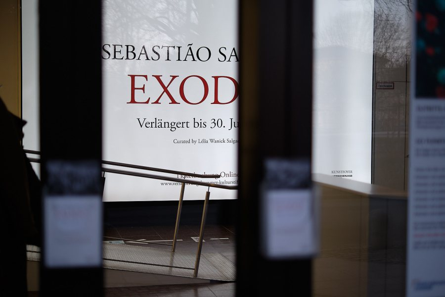 Exodus, Sebastiao Salgado at the Kunstfoyer, Munich
